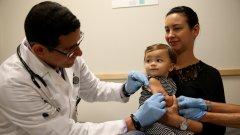 Има и недоверие към ваксините - някои хора се страхуват от тях, докато други просто са безучастни, а за трети ваксинирането причинява неудобство.
