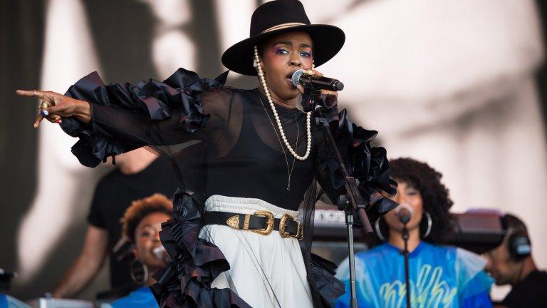 """Лорин Хил  Понякога само един албум е достатъчен, за да превърне някой изпълнител в легенда. В случая дори не става въпрос за чист хип-хоп, тъй като в The Miseducation of Lauryn Hill самата Лорин в по-голямата част от времето пее. И то как! Албумът е толкова успешен, че ѝ носи цели пет награди """"Грами"""", а през останалата част от кариерата си тя печели още три, което я превръща в най-награждаваната жена рапър досега."""