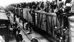 Твърди се, че пред затворите на ГУЛАГ са преминали общо 15 милиона души по време на комунизма в Русия
