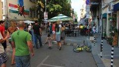 Бъдещето на градовете принадлежи на пешеходните зони и зелените площи, а не на километрите асфалт