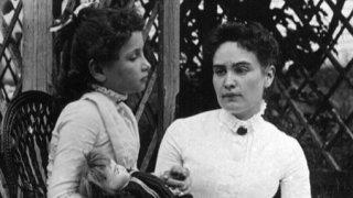 Как сляпата и глуха Хелън Келър се научи да комуникира