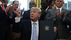 Тръмп, Мей и Макрон няма да присъстват на Световния икономически форум