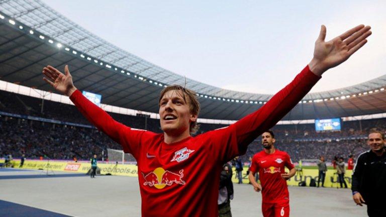 Емил Форсберг (РБ Лайпциг): 19 асистенции (12 от игра + 7 от статични положения), 94 създадени шанса, 8 гола, 123.47 мин. на асистениция Той е с основна заслуга новобранците от Лайпциг да завършат на забележителното второ място в Бундеслигата. Форсберг стана втори по асистенции за един сезон във вечната ранглиста на Бундеслигата, като единствено Де Бройне и Звездан Мисимович са давали повече голови подавания от него – и двамата имат по 20 с екипа на Волфсбург съответно през сезон 2014-15 и 2008-09.