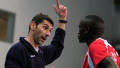 Треньорът на ЦСКА Александър Попов е сред най-заклетите хевиметъли в родния спорт