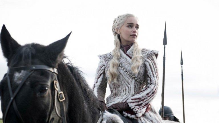 """Game of Thrones (HBO)  Няма значение дали последният сезон е оставил зрителите със смесени чувства - Game of Thrones продължи да бъде пример за това как се прави впечатляваща телевизия, поне в технически аспект. Неслучайно сериалът грабна най-много награди Creative Arts Emmy - цели 10. Сред тях са отличия за костюми, грим, визуални ефекти, звуков монтаж, каскади, дизайн на откриваща """"шапка"""", музика и др."""