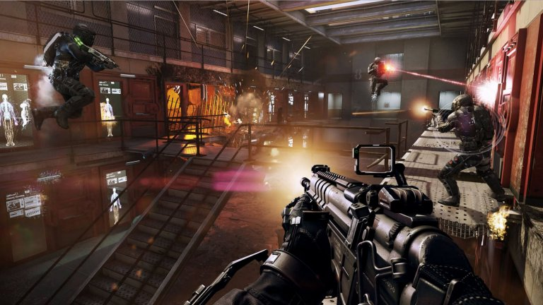 Call of Duty: Advanced Warfare  Историята в Advanced Warfare се върти предимно около персонажа на Кевин Спейси, който е шеф на голямата частна военна компания Atlas. Когато синът му губи живота си, опечаленият баща закономерно обвинява за това армията и некомпетентността на нейните лидери, в резултат на което стартира мащабен план за монополизиране на сектора за сигурност и превръщане на Atlas в по-могъщата алтернатива на националната държава.  Някъде по средата на кампанията в Call of Duty: Advanced Warfare, един от главните герои небрежно съобщава как следващата цел на екипа в опита му да предотврати глобален конфликт е биолаборатория в Странджа планина. И така, някак на шега, действието ни отвежда в нашата мила родина, където една частна военна корпорация си е направила лаборатория за производство на биологични оръжия. След задължителните престрелки по коридорите на лабораторията, нивото завършва с адски ефектна екшън сцена, при която вие управлявате танк и сипете огън и жупел по опитващите се да ви спрат врагове. Извън това, кампанията си е стандартна за поредицата – може би с една идея по-дълга, но иначе със същите линейни нива, експлозии и тук-там някоя ефектна сцена, която наподобява филмите на Майкъл Бей.