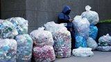 Позитивните емоции от рециклирането често засенчват вината от свръхконсумацията