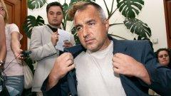 Летящият старт на Бойко Борисов във властта напомня този на управлението на Командира...