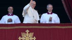 Папата призова за мир в Близкия изток в коледната си реч