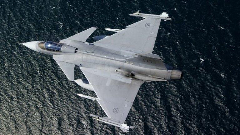 В проекта за закупуване на нови бойни самолети трябва да се вложи около 1 млрд. лева