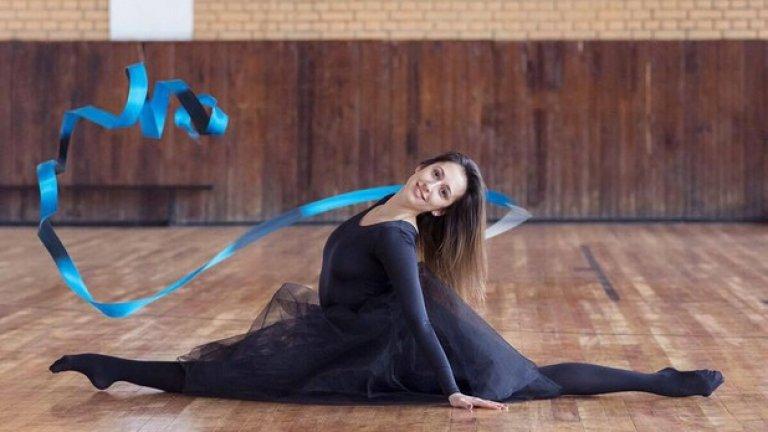 """Катрин прекрати активната си състезателна дейност като гимнастичка след олимпийските игри в Лондон и от три години тренира млади таланти в школата на софийския """"Локомотив""""."""