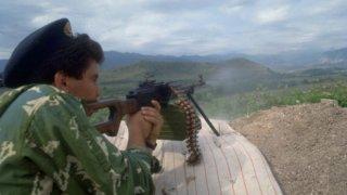 Престрелките между двете страни не са новост. Над 1000 войници са загинали през последните 22 години, след като през май 1994 г. формално войната в Нагорни Карабах формално приключи. Въпреки горещия мир досега няма сериозни териториални промени. Статуквото някак си се крепи в продължение на две десетилетия.