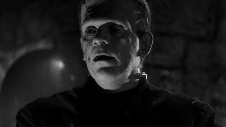 """""""Франкенщайн""""Оценка: 91 от 100 Образите от романа на Мери Шели са многократно използвани в киното, но когато става дума за класика при ужасите, критиката дава по-висока оценка на адаптацията на режисьора Джеймс Уейл от 1931 г. Борис Карлоф играе чудовището, оживяло чрез електричество, а Колин Клайв е в ролята на доктор Хенри Франкенщайн."""