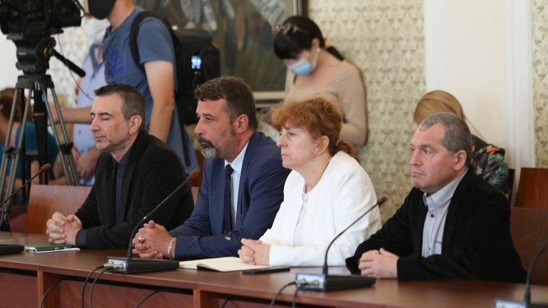 """Двете партии се разбраха да работят в парламента """"на кръпки"""""""