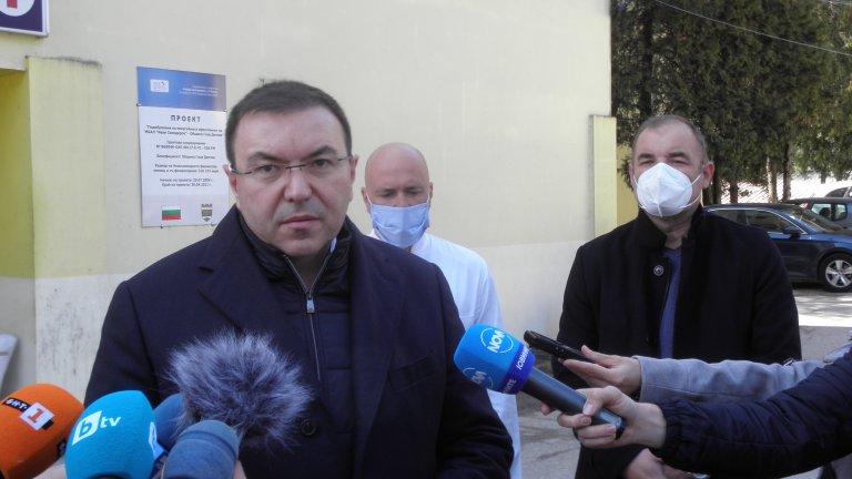 Според Ангелов ваксинацията може да продължи в четвъртък