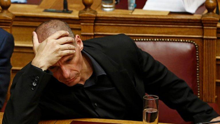 Гърция няма намерения да излиза от еврозоната, увери Варуфакис