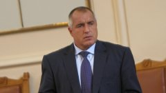 """Подобна """"стратегия"""" до момента не е използвана в българския парламент - вносителите на вот на недоверие не се регистрират, кворум няма и заседанието пропада"""