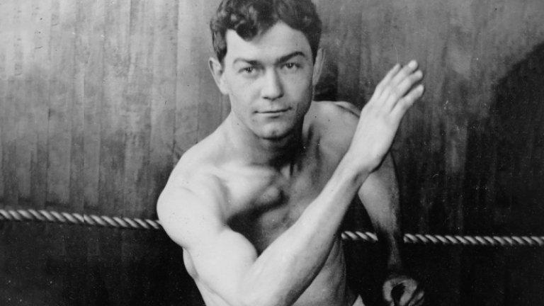 Постижението, което никога няма да бъде повторено: Боксьорът с две титли от едни игри