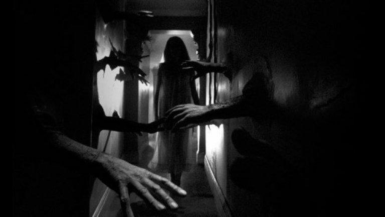 """""""Отвращение"""" (Repulsion)Оценка: 91 от 100 """"Отвращение"""" с участието на Катрин Деньов е първият англоезичен филм на Роман Полански. Неговата основна тема е сблъсъкът между срам и похот при една млада жена, която се отвращава от сексуалните си желания. Филмът е прелюдията на Полански към по-късните му шедьоври, в които напълно разработва линията на психологическия ужас. И макар да е смущаващ за обикновения зрител, критиката го цени високо."""