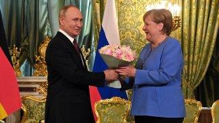 Предишната среща между двамата лидери бе по повод отравянетo на руския опозиционер Алексей Навални