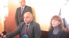 Главният секретар на МВР Ивайло Иванов и окръжният прокурор на Плевен Ваня Савова дадоха подробности по случая.