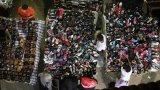 Страните в Африка поемат голямата тежест на изхвърлените дрехи