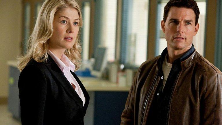 """""""Джак Ричър"""" (Jack Reacher)   Една от интересните й роли е тази на Хелън в """"Джак Ричър"""" (2012), където си партнира с Том Круз. Неговият герой Джак Ричър е следовател, разследващ случай с обучен военен снайперист, застрелял пет случайни жертви. Работата му го среща с Хелън Родин - адвокат и дъщеря на окръжния прокурор. Двамата трябва да намерят отговорите на много въпроси.  Филмът на Кристофър Маккуори е по романа на Лий Чайлд """"Един изстрел""""."""
