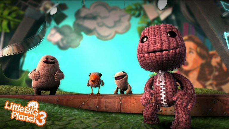 LittleBigPlanet 3  Нека за миг забравим тежката реалност и се потопим в един свят на чар, хумор и приказни приключения. LittleBigPlanet 3 може да бъде най-симпатичната и искрена игра, която имате възможност да изиграете тази година. Освен че получавате познатия досега страхотен платформинг геймплей и сериозни опции за създаване на допълнително съдържание, LittleBigPlanet 3 добавя цели трима нови герои с уникални умения, напълно озвучени от известни актьори и значително по-разширени възможности за въпросното допълнително съдържание. В много отношения LittleBigPlanet игрите винаги са изглеждали странно до другите ААА хитове, които обикновено се въртят около мускулести мрачни герои и много експлозии.   Всъщност изключвайки игрите на Nintendo, LittleBigPlanet е единствената хитова видеоигра, която година след година си позволява да залага на чар, визия и красив дизайн… и да успява отново и отново да впечатли с изненадващо приятен геймплей. Самостоятелната кампания ще ви отнеме между 10 и 12 часа игра, което е доста добро постижение за платформър. Нивата са пълни с предмети, които да откриете, умения, които да отключите и забавни сцени с участието на неповторимата двойка Стивън Фрай и Хю Лори, на които да се наслаждавате. Този път имате една цяла история, която свързва отделните епизоди и герои и придава завършен вид на играта.