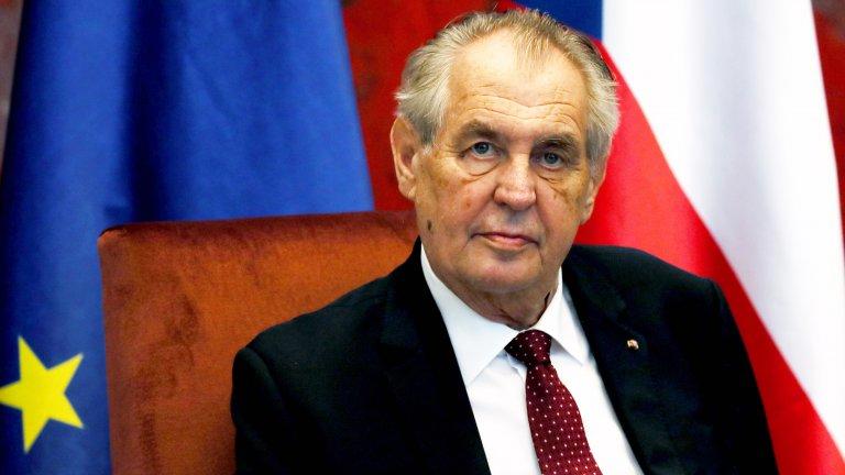 Пълномощията му ще се прехвърлят върху премиера и върху председателя на Долната камара на парламента