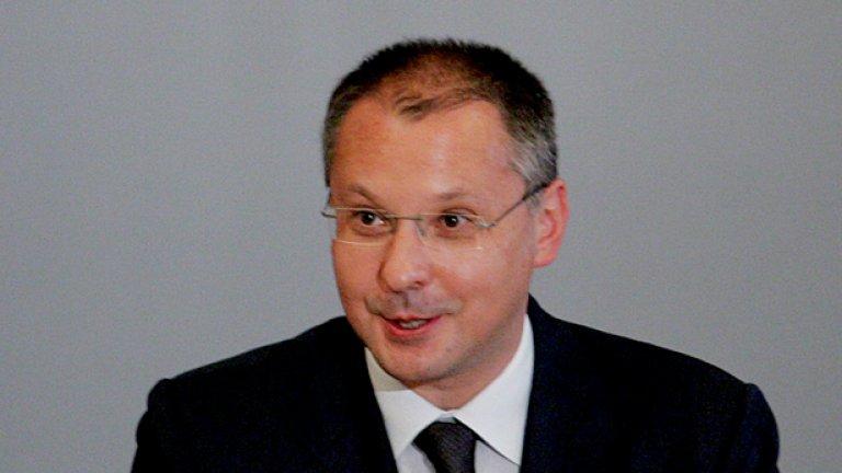 Сергей Станишев се усмихва празнично по случай 1 май