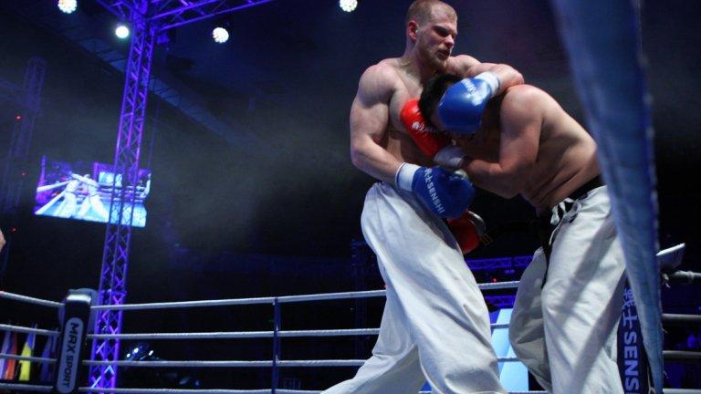 В кат. до 95 кг. Виталий Ишахнели от Русия победи Масаки Фуджи от Япония чрез единодушно съдийско решение