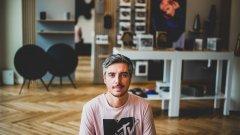 Даниел Ненчев е истински мултимедиен човек, който непрекъснато прескача от платформа в платформа.