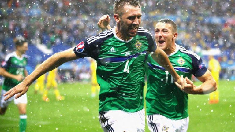 Гарет Макоули вкара първия гол за Северна Ирландия на европейски първенства, с което донесе и първата победа за родината си на подобен форум