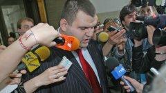 """Ама наистина ли новият председател на ДАНС Делян Пеевски е съгласуван с партньорските служби? Странно, кои """"партньори"""" са дали одобрението си..."""