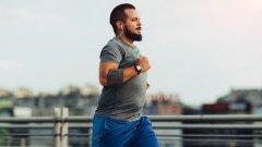Добър старт за сваляне на високия холестерол за начинаещи спортуващи са ниско интензивни кардио тренировки като ходене, джогинг, каране на колело, плуване и други - в рамките на 15-20 до 30 минути