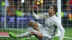 """Роналдо стреля и вкарва по-малко, асистира по-рядко и като цяло играе с топката най-малко от целия си период на """"Сантяго Бернабеу"""". Ето какво показват статистиките му през този сезон..."""