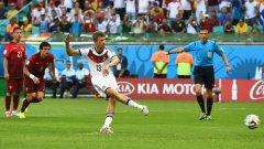 Мюлер вкара три гола на Португалия и Германия стартира с 4:0