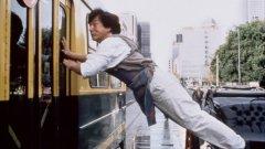 Вижте в галерията клипове на 6 екшън сцени, които са сред големите постижения в кариерата на Джеки Чан