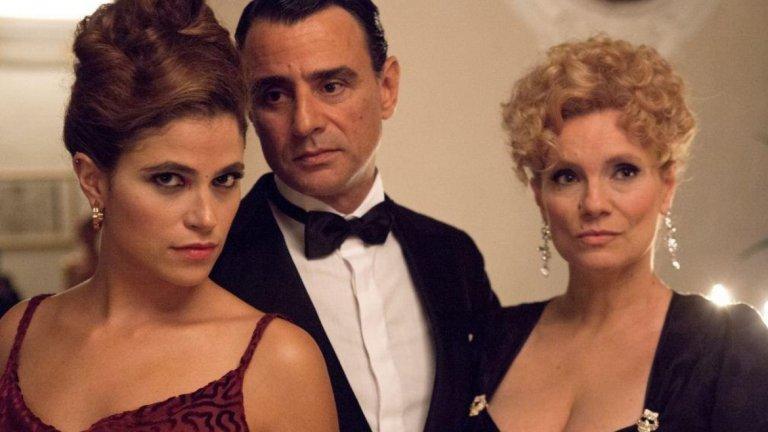 """""""Сомелиерът"""" / Vinodentro Един филм за ценителите на виното и мистериите. Джовани Кутин, директор на банка и уважаван експерт в областта на виното, е арестуван за убийството на жена си. Пред инспектора в полицията той разказва последните 3 години от живота си и как от срамежлив чиновник се превръща в човека, който е, с помощта на... страстта си към виното и на един странен човек. Историята размива разбиранията за реално и мистично, а по всичко изглежда, че Джовани малко по малко повтаря историята на д-р Фауст. Но не е ли вече твърде късно за съжаление?"""