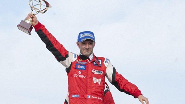 Фабиен Бартез, автомобилизъм Само година след като се отказа от футбола през 2007-а, Бартез влезе в автомобилните спортове. През 2014-а дори участва в състезанието 24 часа на Льо Ман.