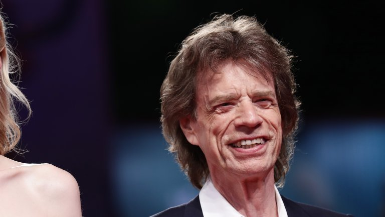 """През 2016 г. Мик Джагър посрещна своето осмо дете и кой знае, може би тази година е време за девето. Фронтменът на """"Rolling Stones"""" има четири деца от Джери Хол, която в момента е женена за Рупърт Мърдок. Джагър вече има и пет внука и един правнук."""