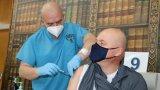 Желаещи да се имунизират срещу коронавируса има още от 7:30 часа сутринта