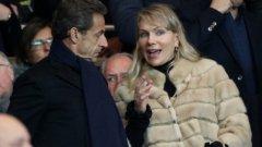Маргарита Луи-Драйфус в компанията на бившия френски президент Никола Саркози на мач на Олимпик Марсилия. Луи-Драйфус е мажоритарен собственик на футболния отбор.