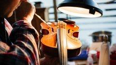 Струната на цигулката – хладно оръжие