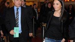 Камата придружи 23-годишната хубавица Михаела на кинопремиера