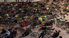 Велосипедисти се събраха в София и в други градове в памет на най-добрия ни колоездач, убит нелепо на пътя за Калотина
