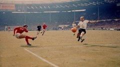 Как Англия плати 80 хил. паунда, за да спаси топката от финала на Мондиал 1966 от германски плен