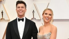 """Актрисата и комикът Колин Джост са си казали """"да"""" на скромна церемония"""