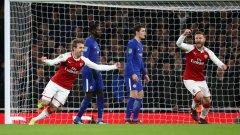Монреал и Мустафи празнуват автогола на Рюдигер, който бързо върна Арсенал в мача