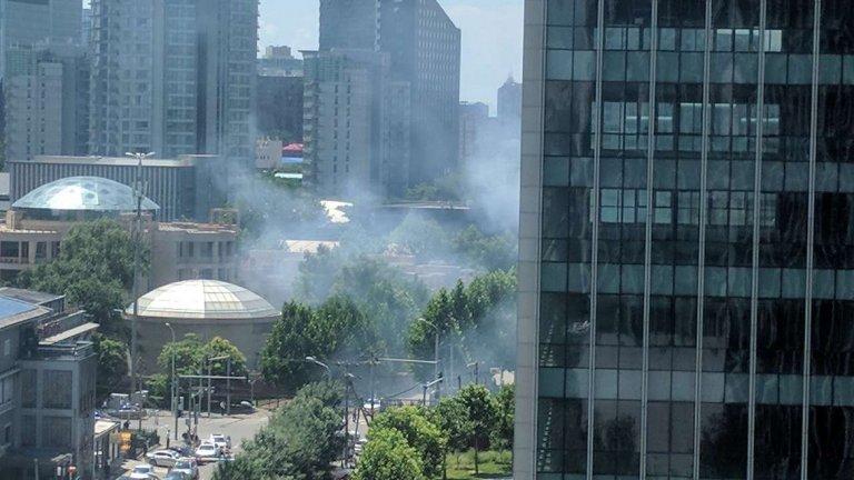 От посолството съобщават, че става въпрос за детонация на малка бомба
